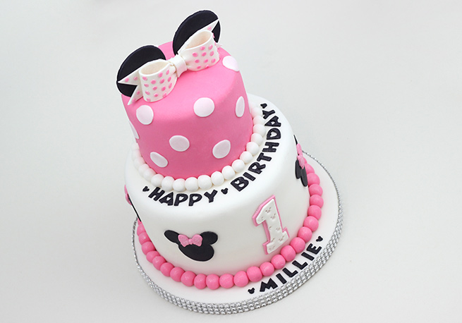 Minnie Mouse Cake Cakey Goodness