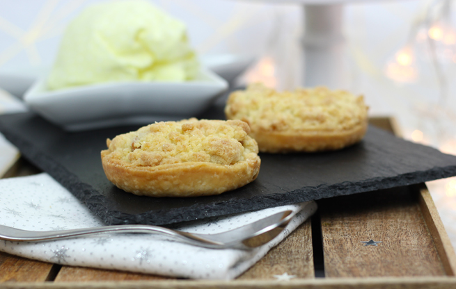 Apple-Crumble-Pies
