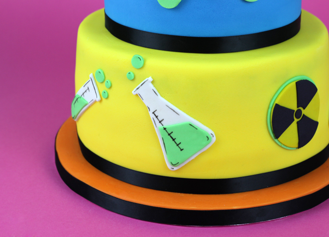 Mad-Scientist-Cake-5