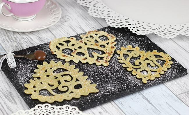 lace-pancakes-7