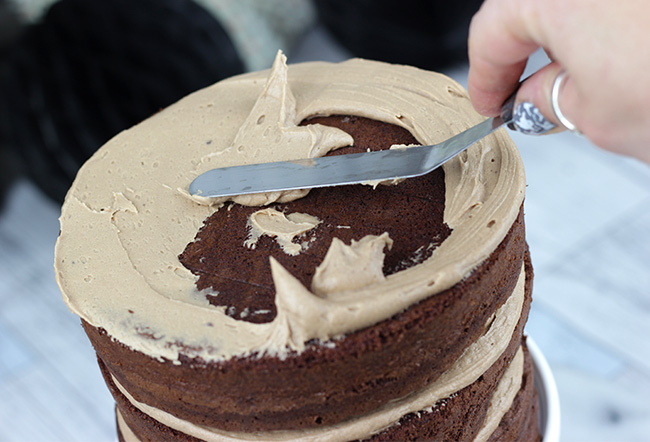 chocolate-cake-show-stopper-16
