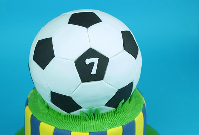 Football-Cake-2