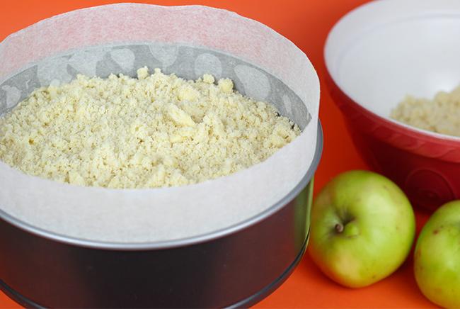 Apple-Crumble-Cake-12