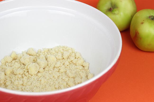 Apple-Crumble-Cake-13