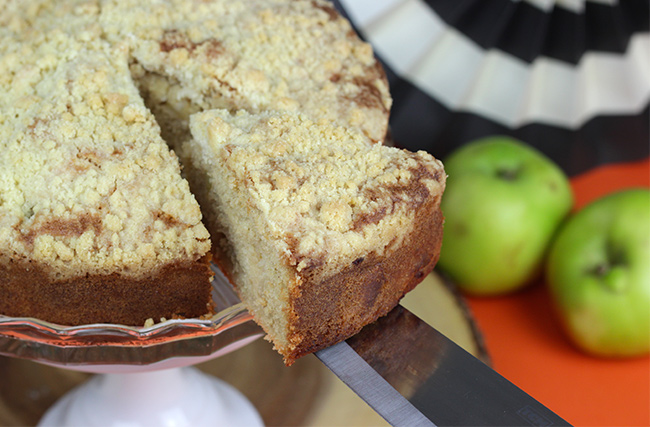 Apple-Crumble-Cake-9