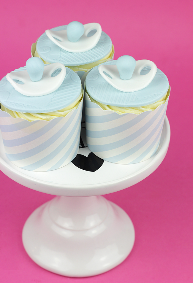 Baby-Shower-Cupcakes-8