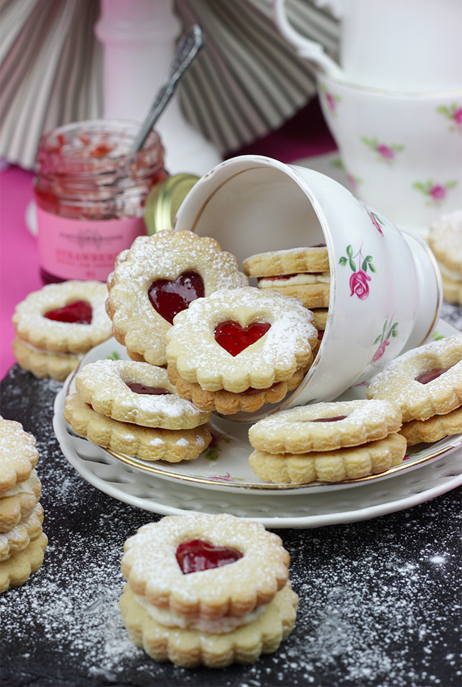 Heart-Sandwich-Cookies-6