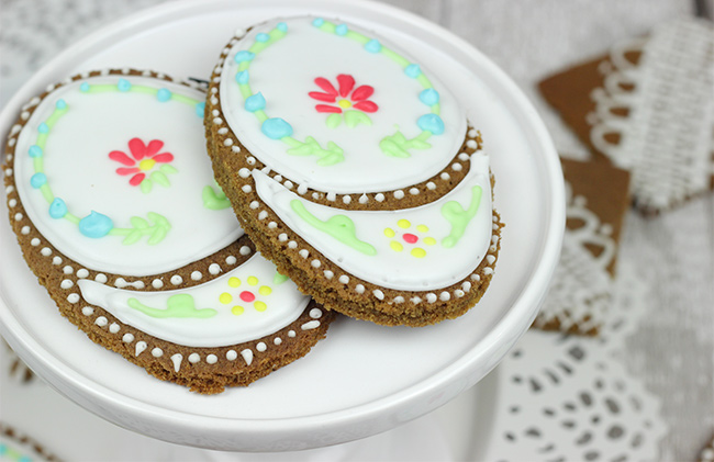 Iced-Ginger-Biscuits-14