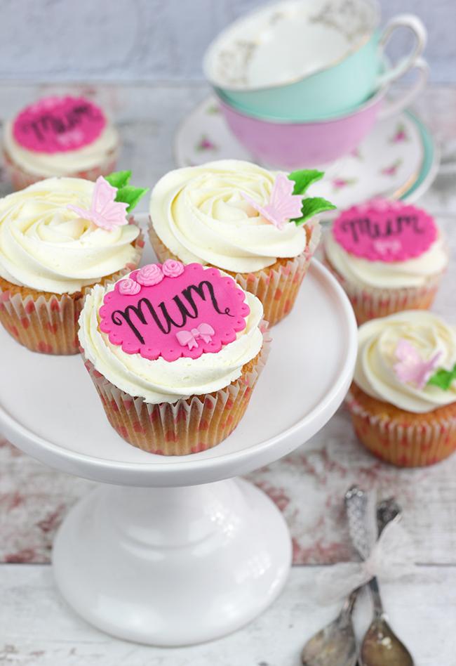 Mum's-Day-Cupcakes-3