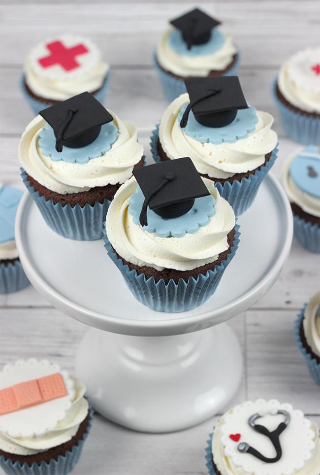 Nurse-Cupcakes-6