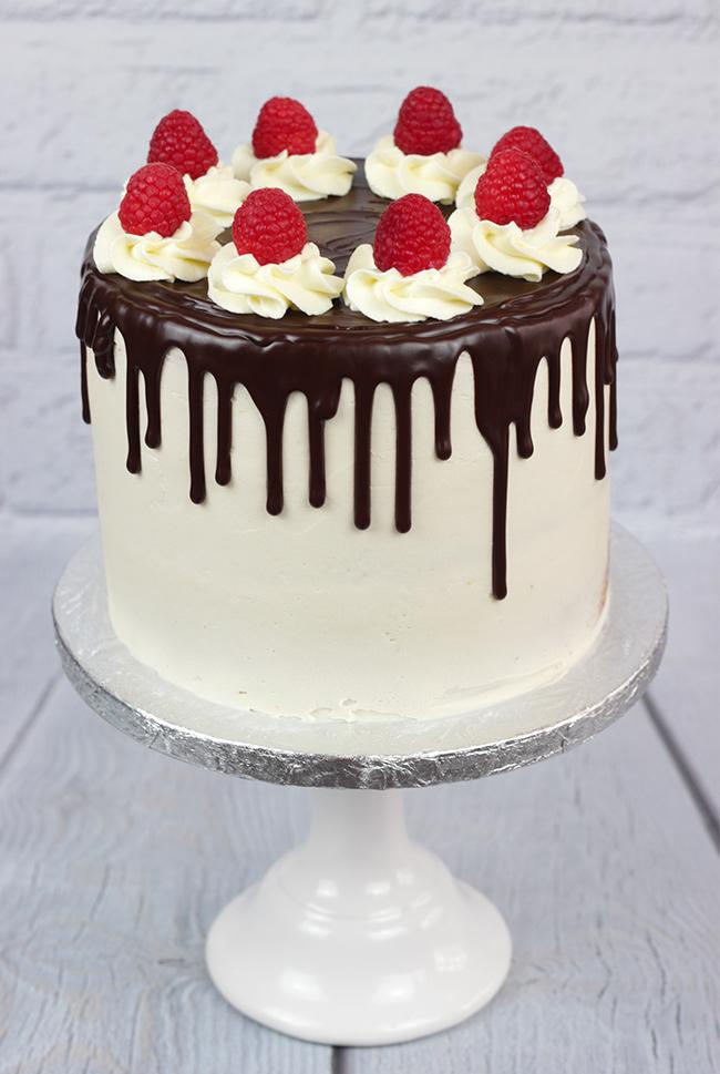 Raspberry-Drip-Cake-4
