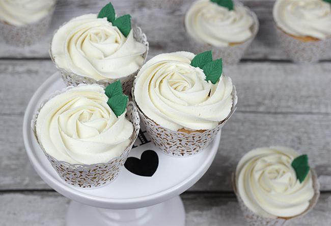White Roses Wedding Cake Cupcakes Cakey Goodness