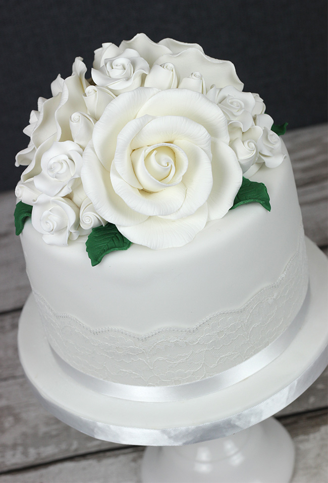 White-Roses-Wedding-Cake-4