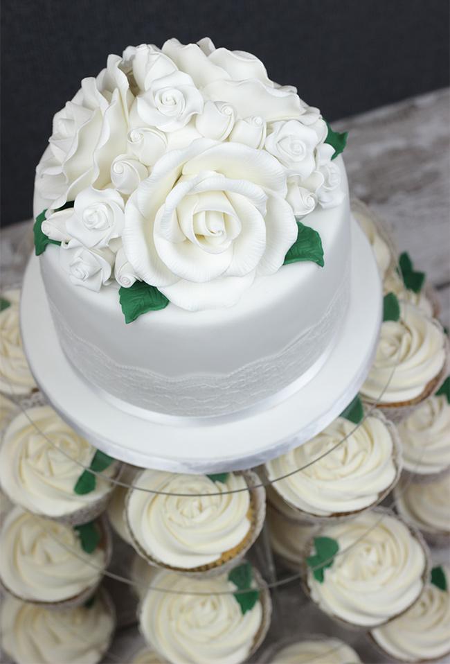 White-Roses-Wedding-Cake-8