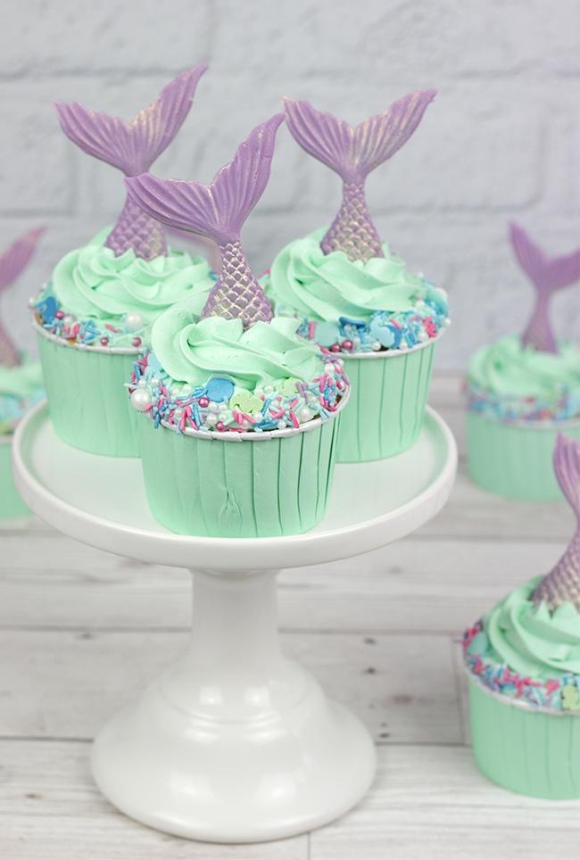 Sprinkle-Mermaid-Cupcakes-1
