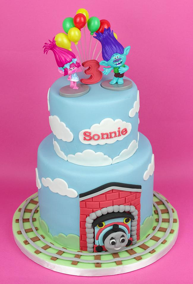 Trolls-&-Thomas-Tank-Cake-3