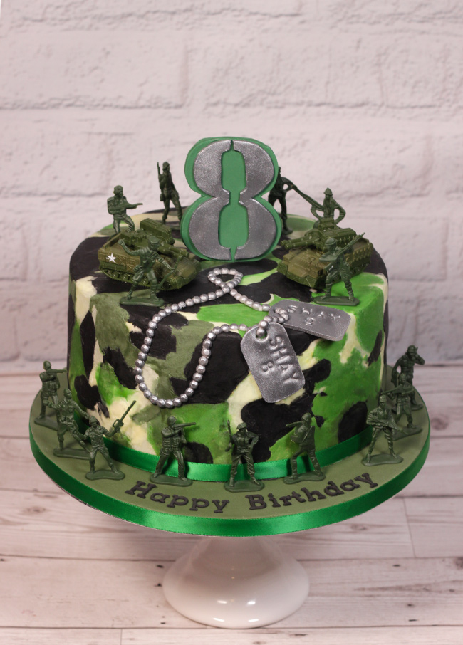 camouflage army cake