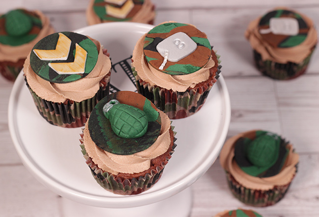 Camo-Cupcakes-1