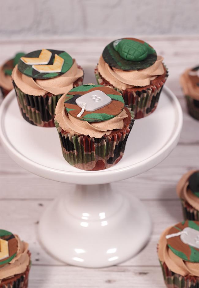 Camo-Cupcakes-3