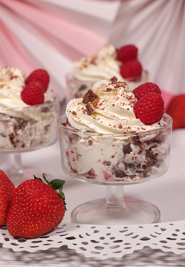 Chocolate-Eton-Mess-10
