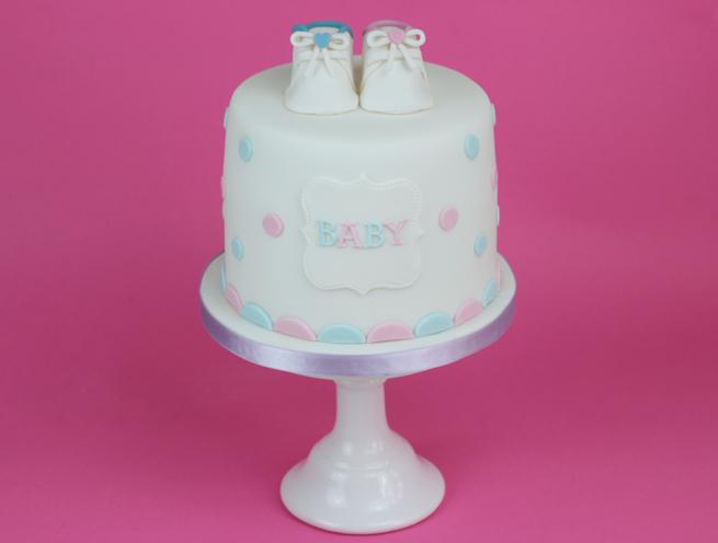 Baby-Shower-Polkadot-Cake-2