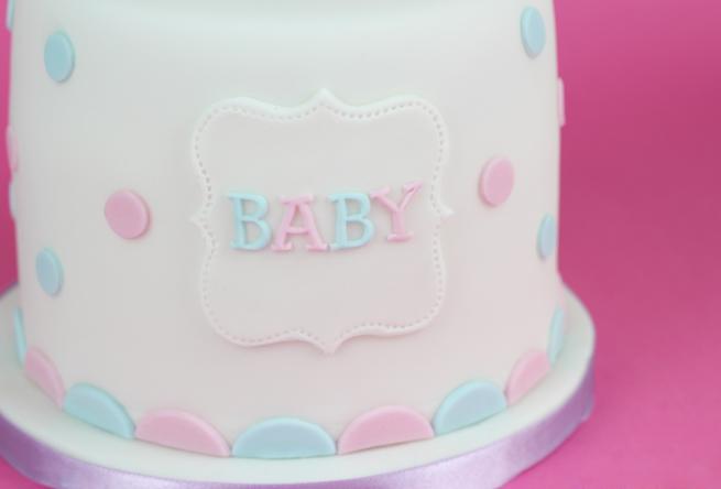 Baby-Shower-Polkadot-Cake-4