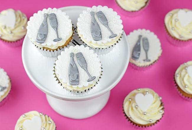 champange-topper-cupcakes-3