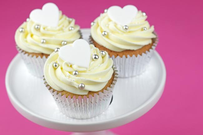 white-heart-cupcakes