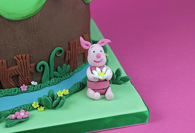 Winnie-The-Pooh-Cake-6