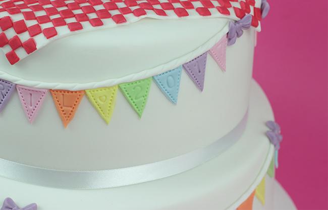 Bunting-Christening-Cake-1
