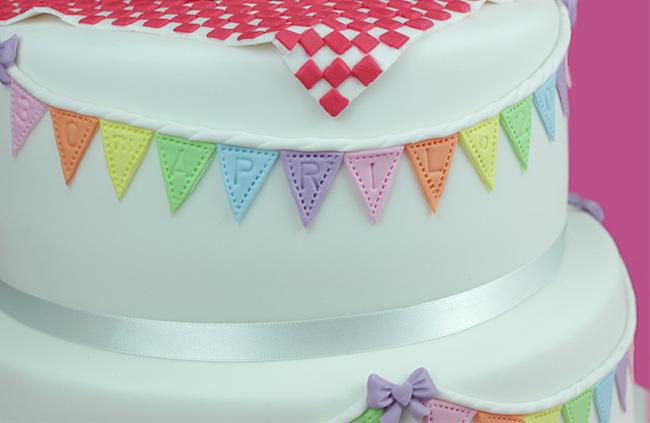 Bunting-Christening-Cake-5