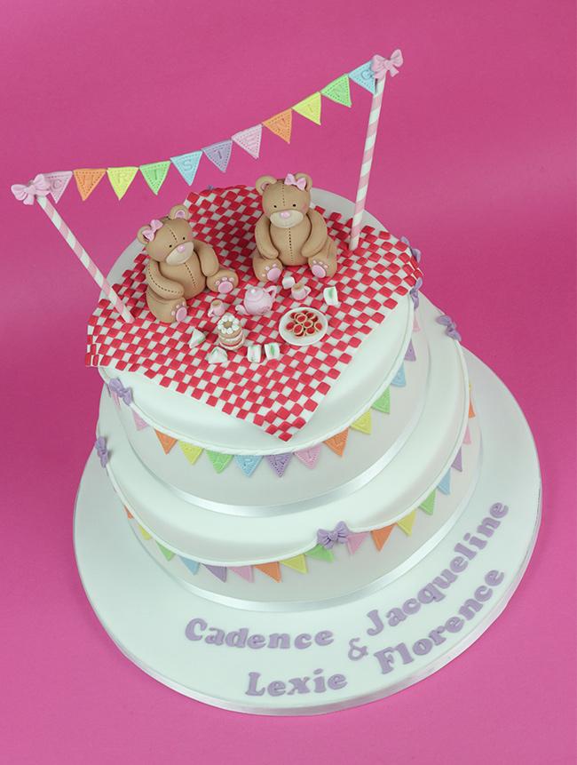 Bunting-Christening-Cake-9