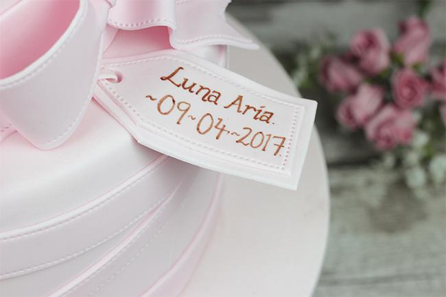 Luna-Aria-Christening-Cake-4