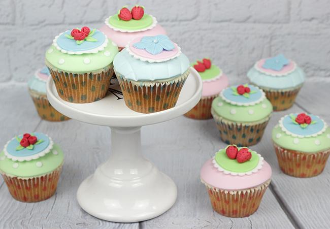 Shabby-Chic-Cupcakes-2