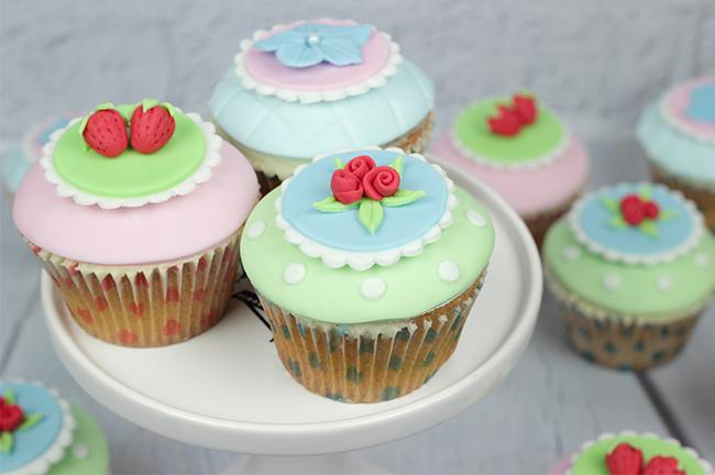 Shabby-Chic-Cupcakes-3