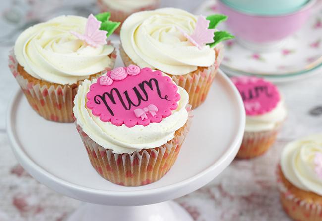 Mum's-Day-Cupcakes-4