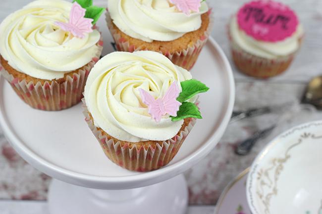 Mum's-Day-Cupcakes-8