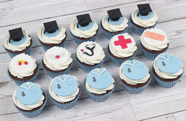Nurse-Cupcakes-1