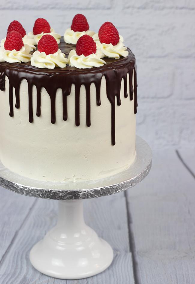 Raspberry-Drip-Cake-2