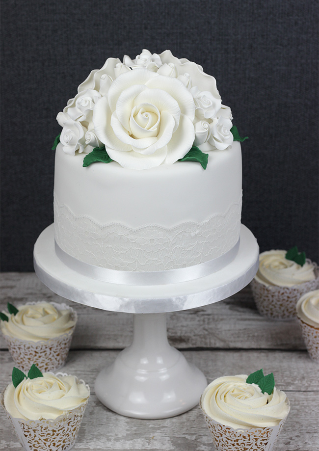White-Roses-Wedding-Cake-5