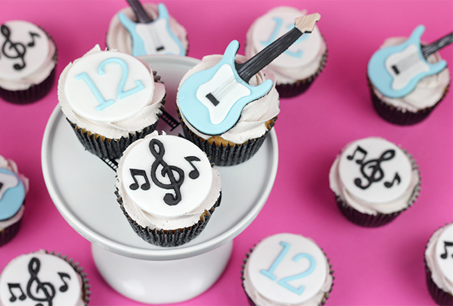 Guitar-Cupcakes-1