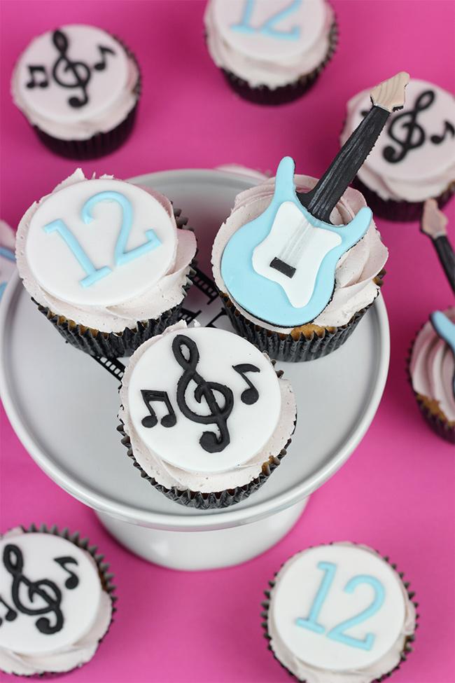 Guitar-Cupcakes-3