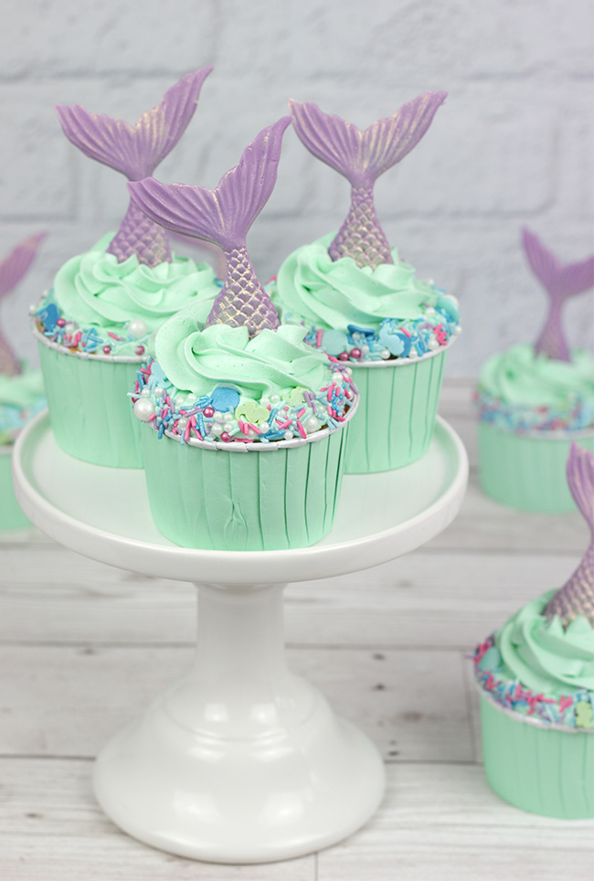 Sprinkle-Mermaid-Cupcakes-1