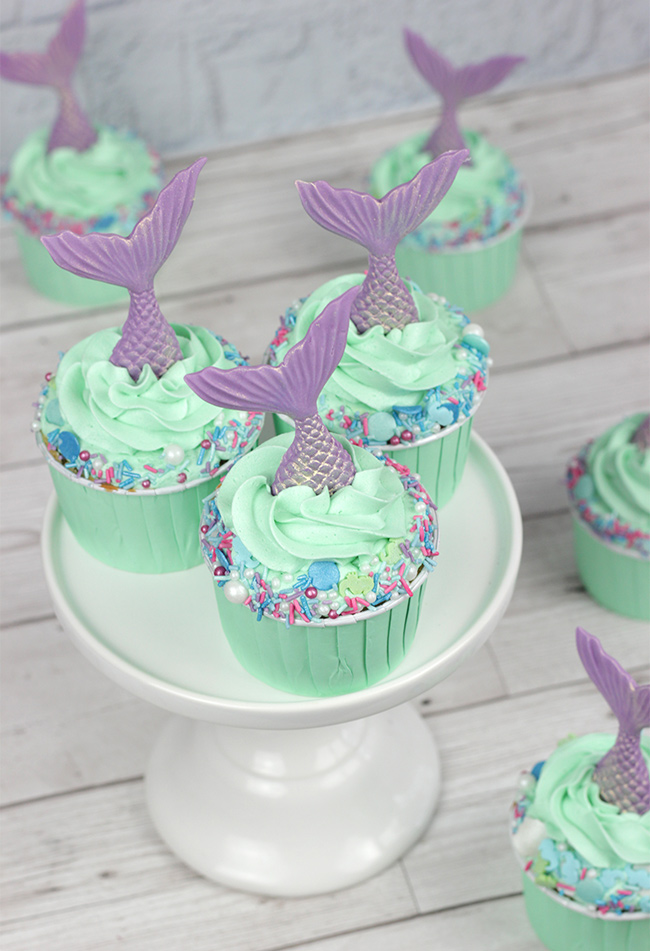 Sprinkle-Mermaid-Cupcakes-2