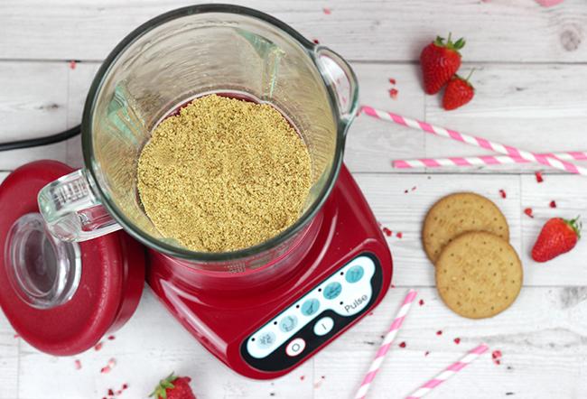 Baileys-Strawberry-&-Cream-3
