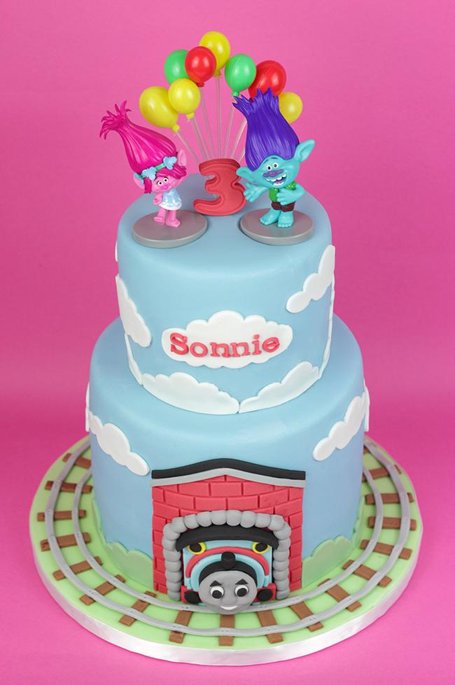 Trolls-&-Thomas-Tank-Cake-2
