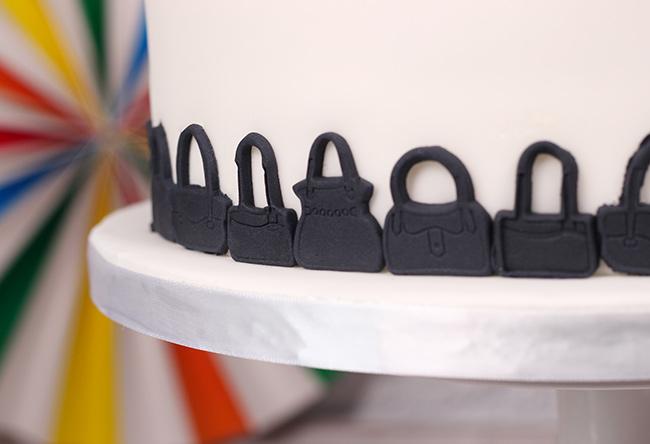 Orange-car-&-handbag-cake-3